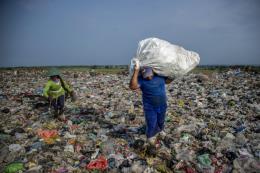 Bộ Y tế kêu gọi giảm thiểu chất thải nhựa trong ngành y tế