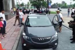 Hàng nghìn khách hàng đăng ký lái thử ô tô Fadil của VinFast