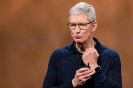 CEO Tim Cook phủ nhận ý kiến Apple là thế lực độc quyền