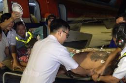 Cấp cứu kịp thời cho 2 ngư dân gặp nạn ở quần đảo Trường Sa