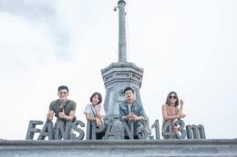 Khắp nơi nắng nóng, du khách tìm về đỉnh Fansipan mát lạnh