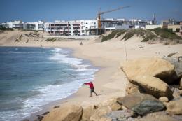 Cát tặc đang phá hủy bờ biển của Maroc