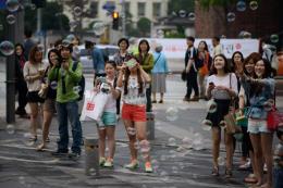 """Khách nước ngoài tiết kiệm """"hầu bao"""" hơn khi tới Hàn Quốc"""