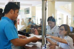 Hỗ trợ mua, tặng thẻ bảo hiểm y tế cho người có hoàn cảnh khó khăn