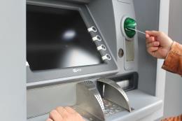 Agribank lắp đặt thêm một loạt máy ATM đa chức năng