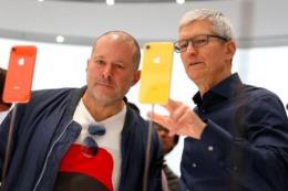 Ngôi sao thiết kế Jony Ive rời Apple để thành lập công ty riêng