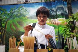 Phát triển thị trường tiêu dùng xanh: Bài 3 - Sử dụng sản phẩm thân thiện với môi trường