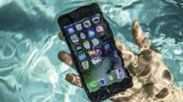 Samsung có thể bị phạt hàng triệu USD vì quảng cáo điện thoại chống nước
