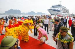 """Đón dòng khách hạng sạng, """"du lịch mua sắm"""" sẽ bùng nổ ở Hạ Long"""