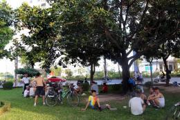 Dự báo thời tiết ngày mai 17/7: Hà Nội nắng nóng, đêm có mưa rào
