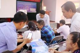 Quảng Ninh thí điểm kết nối với nhân dân qua phần mềm Ezlife