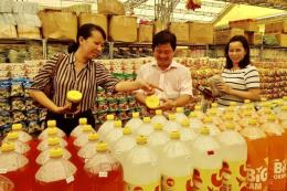 Để người tiêu dùng nông thôn được tiếp cận hàng Việt
