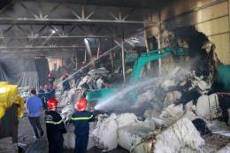 Cháy kho chứa nguyên liệu của Công ty cổ phần Sợi Phú Nam