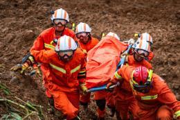 Sạt lở đất đá tại Quý Châu (Trung Quốc), hơn 50 người chết và mất tích