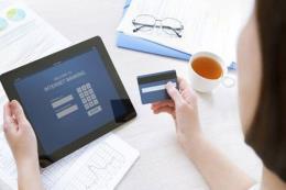 Giao dịch thời ngân hàng số -  Bài 1: Khi tiện ích luôn đi kèm rủi ro