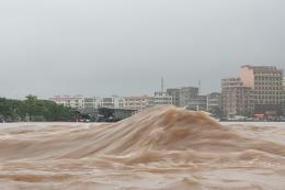 Quảng Ninh: Nước sông Ka Long dâng cao, uy hiếp nghiêm trọng một số vùng trũng
