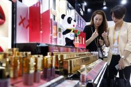 Nhật Bản soán ngôi vương của Hàn Quốc về xuất khẩu mỹ phẩm sang Trung Quốc