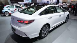 Huyndai và Kia bán hơn 1 triệu xe lai trong 10 năm qua