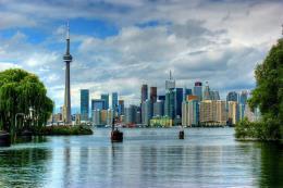 Điều gì xảy ra khi kinh tế Canada dịch chuyển theo hướng công nghệ cao?