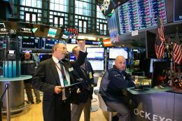 Thị trường chứng khoán Mỹ tăng nhờ kỳ vọng Fed cắt giảm lãi suất