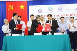 Ký thỏa thuận hợp tác xây dựng vùng chăn nuôi bò sữa an toàn dịch bệnh