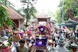 Hàng vạn khách dự lễ hội đền Bảo Hà, giao thông quá tải ngày chính hội