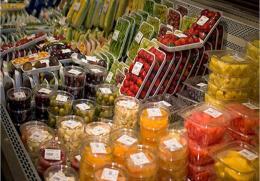 Các siêu thị lớn ở Anh thí điểm không dùng bao bì nhựa bọc thực phẩm