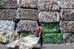 Australia phát triển công nghệ mới tái chế rác thải nhựa