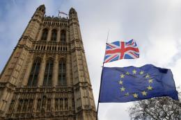 Hạn chót cho Chính phủ Anh xoay chuyển tình thế