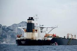 Siêu tàu chở dầu của Iran đối mặt với lệnh trừng phạt của Mỹ