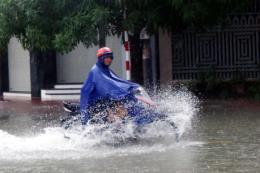 Áp thấp nhiệt đới liên tục đổi hướng, từ Nghệ An đến Thừa Thiên Huế có mưa to đến rất to