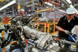 Ngành chế tạo Mỹ suy giảm lần đầu tiên trong ba năm qua