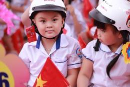 Honda tặng gần 2 triệu mũ bảo hiểm cho học sinh lớp Một cả nước