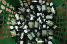 Vĩnh Phúc tạm giữ hơn 600 chai tinh dầu thuốc lá