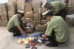 Bắt giữ kho chứa hơn 26.000 sản phẩm mỹ phẩm nhập lậu