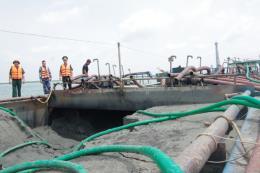 Bà Rịa – Vũng Tàu tạm giữ phương tiện vận chuyển cát không có hóa đơn