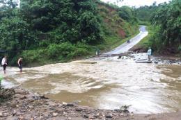 Hà Giang khắc phục các tuyến đường giao thông bị sạt lở do mưa lũ