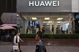 """Liệu các biện pháp trừng phạt của Mỹ có thể """"cản đường"""" Huawei?"""