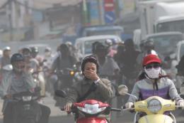 Không khí ô nhiễm, thị trường khẩu trang đắt khách