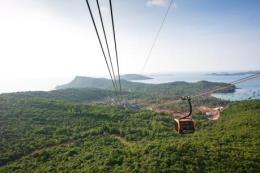 Giàu tiềm năng, bao giờ du lịch Việt đuổi kịp láng giềng?