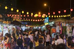Ở Việt Nam, khách du lịch làm gì khi màn đêm buông xuống?