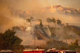 Bùng phát các đám cháy rừng mới ở bang California, Mỹ