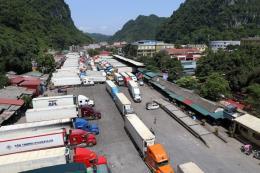 Lạng Sơn: Khoảng 500 xe chở nông sản ùn ứ tại cửa khẩu Tân Thanh