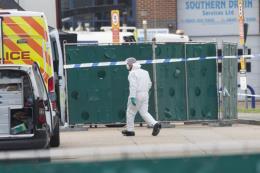 Đã xác định quốc tịch của 39 thi thể trong xe container ở Anh