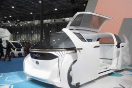 """Doanh nghiệp điện tử Nhật Bản """"lấn sân"""" sang mảng ô tô điện và tự lái"""