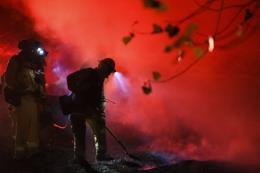 Xuất hiện đám cháy rừng mới và khó kiểm soát tại bang California