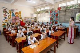 Chương trình sữa học đường chính thức đến với học sinh Vĩnh Long