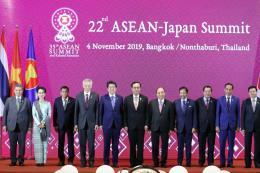 Nhật Bản cam kết tài trợ 3 tỷ USD thúc đẩy phát triển ASEAN