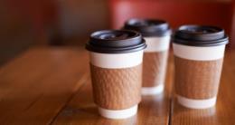 Ireland sẽ áp thuế với cốc uống cà phê dùng một lần