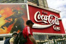 Coca-Cola cam kết thu gom, tái chế chai nhựa